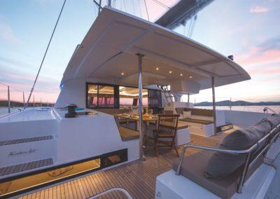Catamaran Saba 50 vue arrière